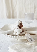 Cotton bolls and name tag decorating napkin