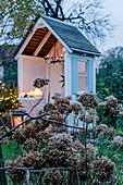 Advent arrangement in summerhouse