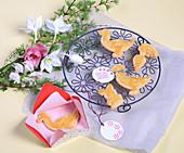 Easter biscuit packed in handmade envelope