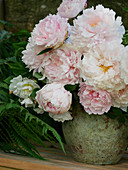 Bouquet of peony flowers 'Sarah Bernhard'