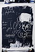 Hintergrund mit Schrift und Malerei