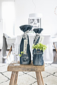 Upcycling: bottle packaging made from jeans