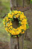 Flower wreath made from filled Kerrie