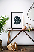 DIY picture with leaf motif