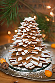 Weihnachtsbaum aus Lebkuchensternen