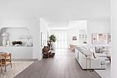 Offener Wohnbereich mit Lounge
