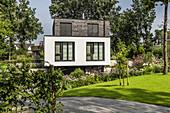modernes Wohnhaus in Buchholz, Niedersachsen, Norddeutschland, Deutschland