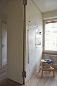 k chenzeile aus holz mit schublade und integriertem gasherd bild kaufen living4media. Black Bedroom Furniture Sets. Home Design Ideas