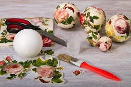 Crafting paper baubles with a rose motif