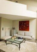 elegante aber gem tliche sitzecke mit ausladendem berecksofa und kronleuchter blick in garten. Black Bedroom Furniture Sets. Home Design Ideas