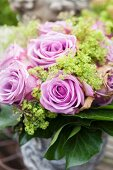 Bouquet of lilac roses