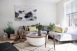 Moderne Designermöbel im skandinavischen Wohnzimmer