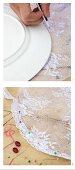 Fliegenschutzhaube aus weißem Spitzenstoff selber nähen