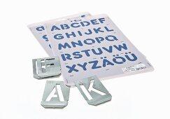 Buchstaben-Schablonen zum Dekorieren