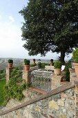 Mediterrane Terrasse mit Panoramablick