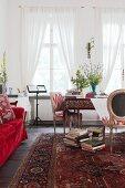 Künstlerischer Wohnraum in Rottönen mit Perserteppich