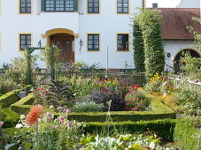 Art garden, view from the cottage garden on the house