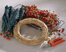 Material for binding a tomato wreath on cabbage leaves