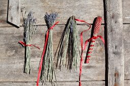 Instructions for making lavender wands