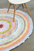 Runder gehäkelter Teppich aus recyceltem T-Shirtgarn