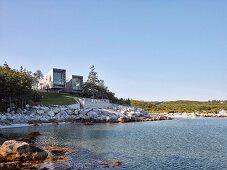 Two modern beach-houses on coast