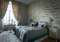 Bedroom in antique French style