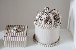 Jewellery boxes made from corrugated cardboard