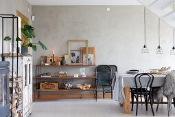 Vintage-style dining room in wintry shades with grey wall