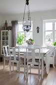 Dining room in Scandinavian country-house style