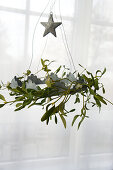 Mistletoe wreath with slate star