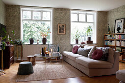 Pleasant living room in classic style