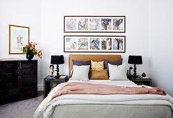 Doppelbett im Schlafzimmer in japanischem Stil