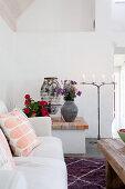 Masonry ledge in Mediterranean living room