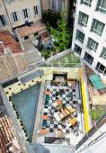 Blick auf Restaurant auf Dachterrasse