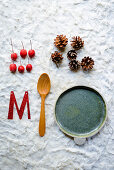 Decorative items for making a wintry, festive table centrepiece