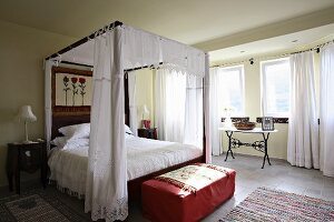 Romantic bedroom with four-poster bed (Villa Octavius, Lefkas, Greece)