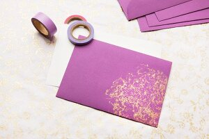 Purple envelope printed with impression of Chinese cabbage in gold