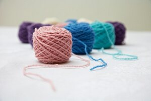 Balls of wool of various colours