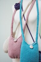 Various knitted shoulder bags