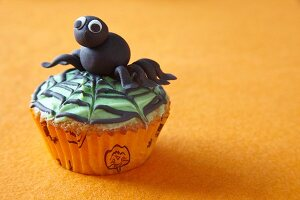 Halloween cupcake with spider topper