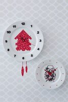 Wall-mounted clocks hand-crafted from plates