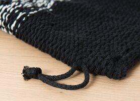 Stricken mit der Häkelnadel: Geknookten Rucksack selbermachen