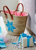 DIY – a star painted onto a wicker shopper