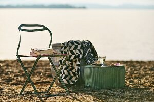 A cosy reading spot on a beach