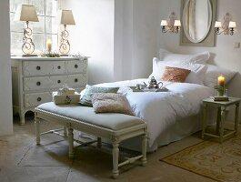 Romantisches Schlafzimmer im französischen Stil