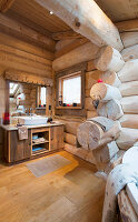 Large bathroom in log cabin