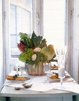 Gemüsestrauß als Tischdekoration