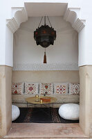 Seating in niche in lobby of the Hotel Ryad Dyor (Marrakesh, Morocco)
