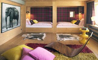 Wood panelling in elegant bedroom
