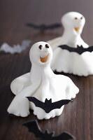 Whimsical sugar ghosts for Halloween